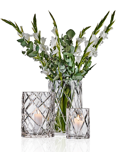 _0012_29.Crystal_group_with_flowers